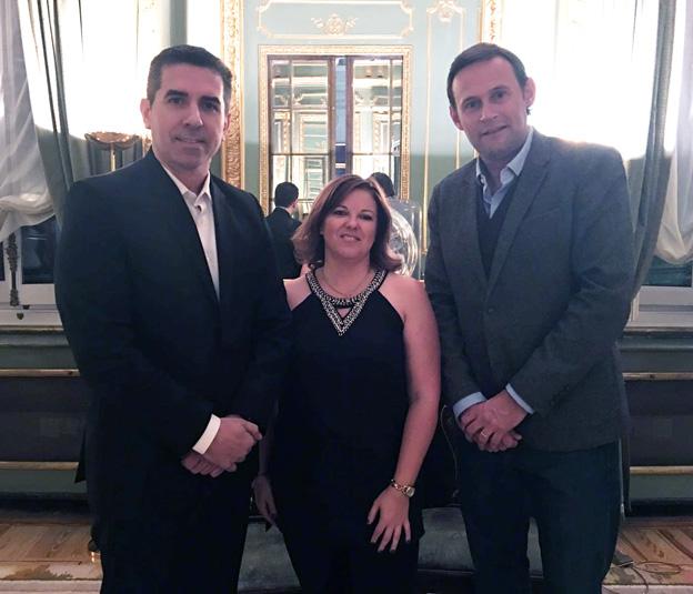 Cristina Álvarez con Damián Lopo y Manuel Estruga (Crowdium)